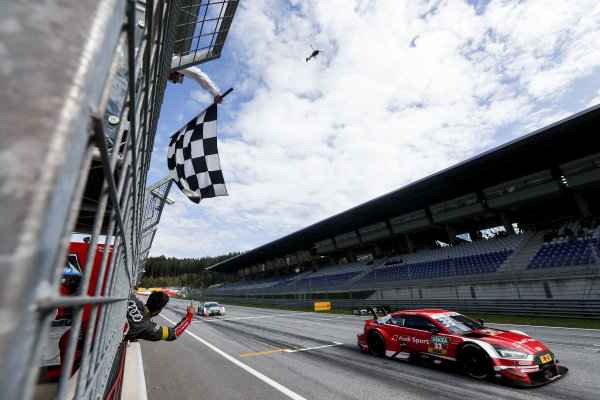Checkered flag for René Rast, Audi Sport Team Rosberg, Audi RS 5 DTM.