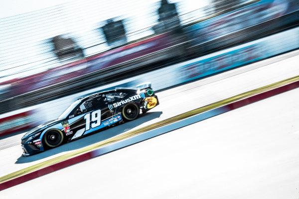#19: Martin Truex Jr., Joe Gibbs Racing, Toyota Camry Sirius XM