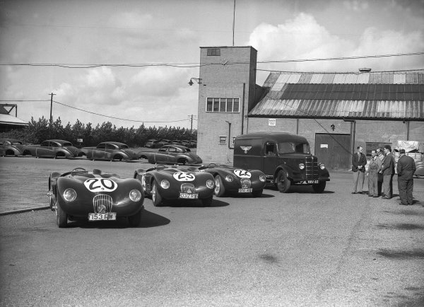 1951 Le Mans 24 hours.Le Mans, France. 23-24 June 1951.The Jaguar C-type team outside the Brown's Lane, Coventry factory. Left-to-right, the cars of Peter Walker/Peter Whitehead (1st position), Leslie Johnson/Clemente Biondetti and Stirling Moss/Jack Fairman.Ref-Motor 626/38.World Copyright - LAT Photographic