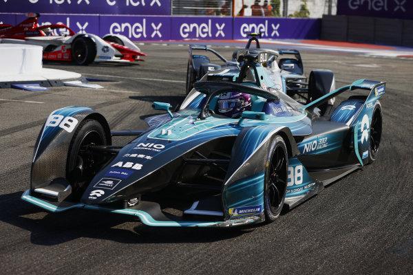 Tom Blomqvist (GBR), NIO 333, NIO 333 001, leads Stoffel Vandoorne (BEL), Mercedes Benz EQ, EQ Silver Arrow 02