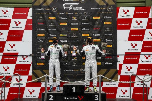 #72 Adam Balon / Phil Keen - Barwell Motorsport Lamborghini Huracan GT3 Evo