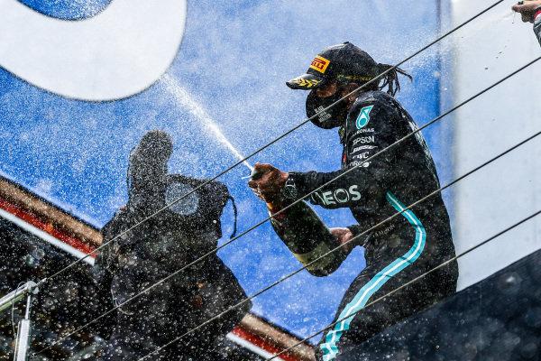 Lewis Hamilton, Mercedes-AMG Petronas F1, 1st position, sprays champagne