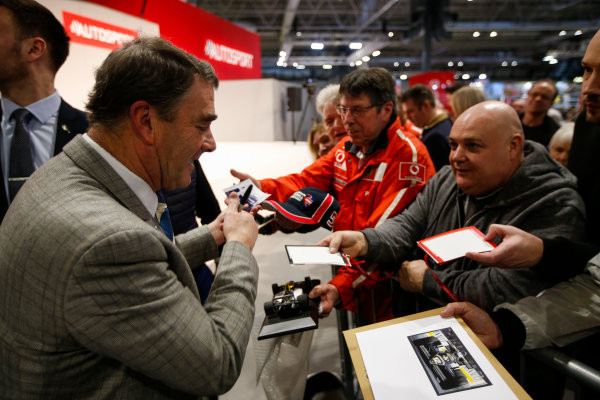 Autosport International Exhibition. National Exhibition Centre, Birmingham, UK. Sunday 14th January 2018. Nigel Mansell signs autographs for fans.World Copyright: Joe Portlock/LAT Images Ref: _L5R0570