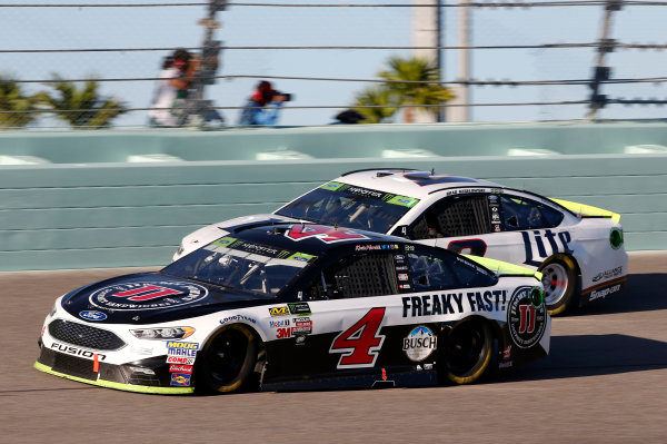 Monster Energy NASCAR Cup Series Ford EcoBoost 400 Homestead-Miami Speedway, Homestead, FL USA Sunday 19 November 2017 Kevin Harvick, Stewart-Haas Racing, Jimmy John's Ford Fusion Brad Keselowski, Team Penske, Miller Lite Ford Fusion World Copyright: Matthew T. Thacker LAT Images