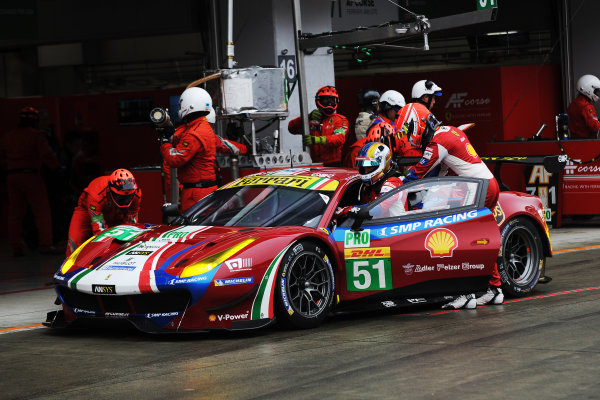 2017 FIA World Endurance Championship, Fuji, Japan. 13th-15th October 2017, #51 AF Corse Ferrari 488 GTE: James Calado, Alessandro Pier Guidi,   World copyright. JEP/LAT Images