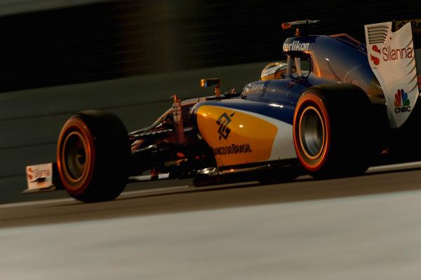 Yas Marina Circuit, Abu Dhabi, United Arab Emirates. Saturday 28 November 2015. Marcus Ericsson, Sauber C34 Ferrari. World Copyright: Glenn Dunbar/LAT Photographic ref: Digital Image _89P0674