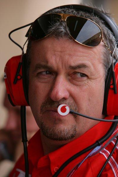 2006 Bahrain Grand Prix - Friday Practice Bahrain International Circuit, Sakhir, Bahrain 9th - 12th March. Nigel Stepney, Ferrari Chief Mechanic. Portrait. World Copyright: Lorenzo Bellanca/LAT Photographic ref: Digital Image ZD2J1408.