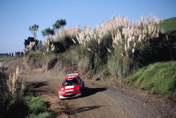 2003 World Rally ChampionshipRally New Zealand. 9th - 13th April 2003.Harri Rovanpera/Risto Pietilainen (Peugeot 206 WRC), action.World Copyright: LAT Photographicref: 35mm Image A13