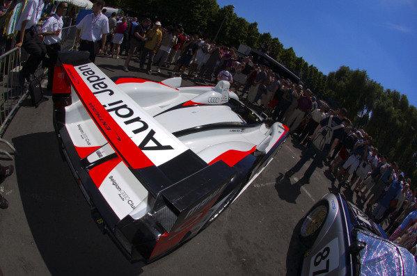 2004 Le Mans 24 HoursLe Mans, France. 8th June 2004The Audi R8 of Seiji Ara, Rinaldo Capello and Tom Kristensen.World Copyright: John Brooks/LAT Photographicref: Digital Image Only