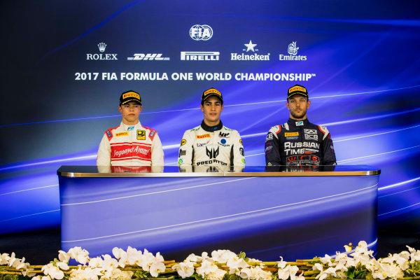 2017 FIA Formula 2 Round 8. Spa-Francorchamps, Spa, Belgium. Sunday 27 August 2017. Nyck De Vries (NED, Racing Engineering), Sergio Sette Camara (BRA, MP Motorsport), Luca Ghiotto (ITA, RUSSIAN TIME).  Photo: Zak Mauger/FIA Formula 2. ref: Digital Image _56I3528