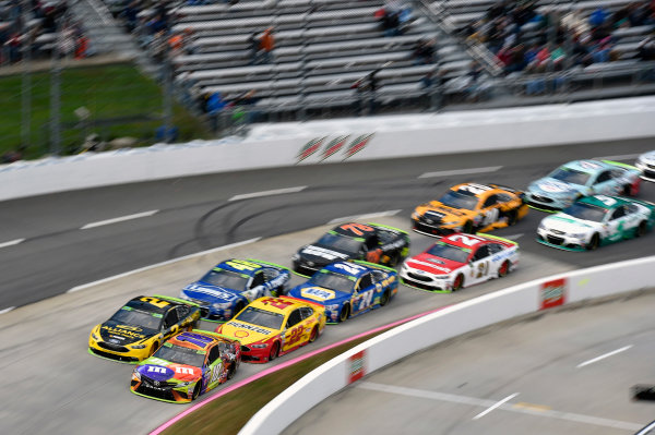 Monster Energy NASCAR Cup Series First Data 500 Martinsville Speedway, Martinsville VA USA Sunday 29 October 2017 Kyle Busch, Joe Gibbs Racing, M&M's Halloween Toyota Camry and Brad Keselowski, Team Penske, Alliance Truck Parts Ford Fusion World Copyright: Nigel Kinrade LAT Images