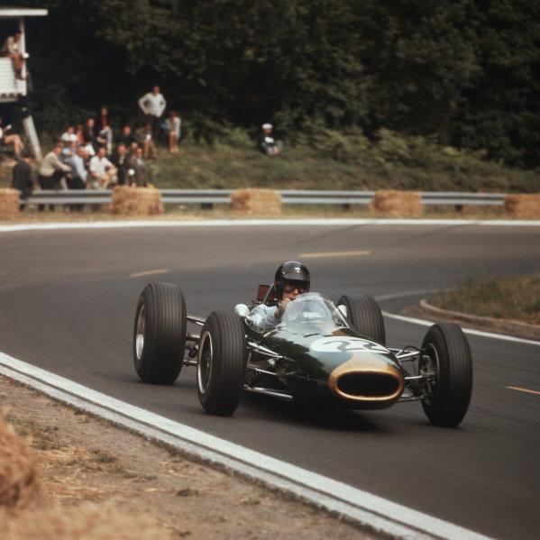 Rouen-les-Essarts, France.26-28 June 1964.Dan Gurney (Brabham BT7 Climax) 1st position.Ref-3/1297.World Copyright - LAT Photographic