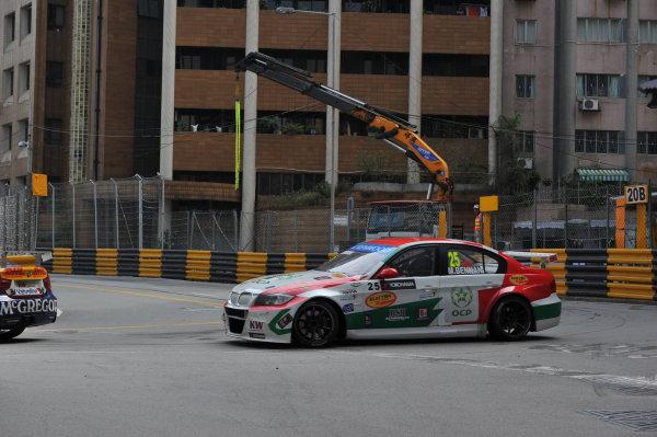 2013 World Touring Car Championship. Round 12 - Circuit de Guia, Macau, China. Sunday 17 November 2013. Race1, Mehdi Bennani (MAR) BMW E90 320 TC, Proteam Racing. World Copyright: XPB Images / LAT Photographic. ref: Digital Image PHOTO4_560322
