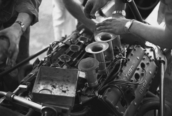 1970 Spanish Grand Prix. Jarama, Madrid, Spain. 17th - 19th April 1970. A Ford engine being works on in the pits, detail. World Copyright: LAT Photographic. Ref: 3000 - 21.