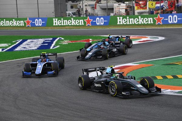 Alessio Deledda (ITA, HWA Racelab), leads Felipe Drugovich (BRA, Uni-Virtuosi)