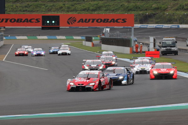 GT500 Start of the race action