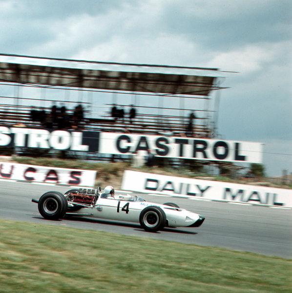 Brands Hatch, England.14-16 July 1966.Bruce McLaren (McLaren M2B Serenissima) 6th position.Ref-3/2260.World Copyright - LAT Photographic