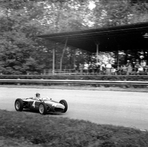 1961 Italian Grand Prix. Monza, Italy. 8th - 10th September.  Richie Ginther (Ferrari Dino 156), drives Wolfgang von Trips car during Friday practice, action. World Copyright: LAT Photographic. Ref: 10613.