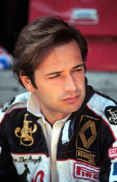 Formula 1 World Championship.Elio de Angelis (Lotus-Renault).Ref-D1A 01.World - LAT Photographic