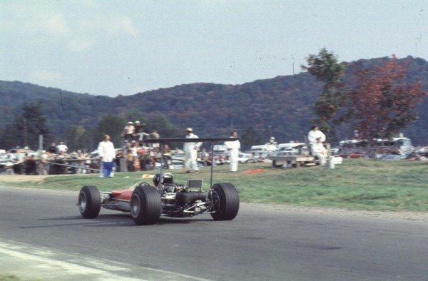 1968 Canadian Grand Prix.Mont-Tremblant, (St. Jovite), Quebec, Canada.20-22 September 1968.Graham Hill (Lotus 49B Ford) 4th position.Ref-68 CAN 08.World Copyright - LAT Photographic