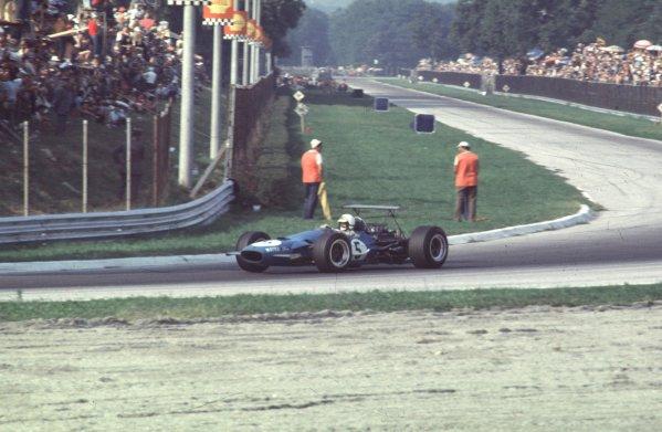 1968 Italian Grand Prix.Monza, Italy.6-8 September 1968.Johnny Servoz-Gavin (Matra MS10 Ford) 2nd position.Ref-68 ITA 74.World Copyright - LAT Photographic