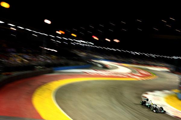 Marina Bay Circuit, Singapore.24th September 2011.Nico Rosberg, Mercedes GP W02. Action. World Copyright: Andy Hone/LAT Photographicref: Digital Image CSP28347