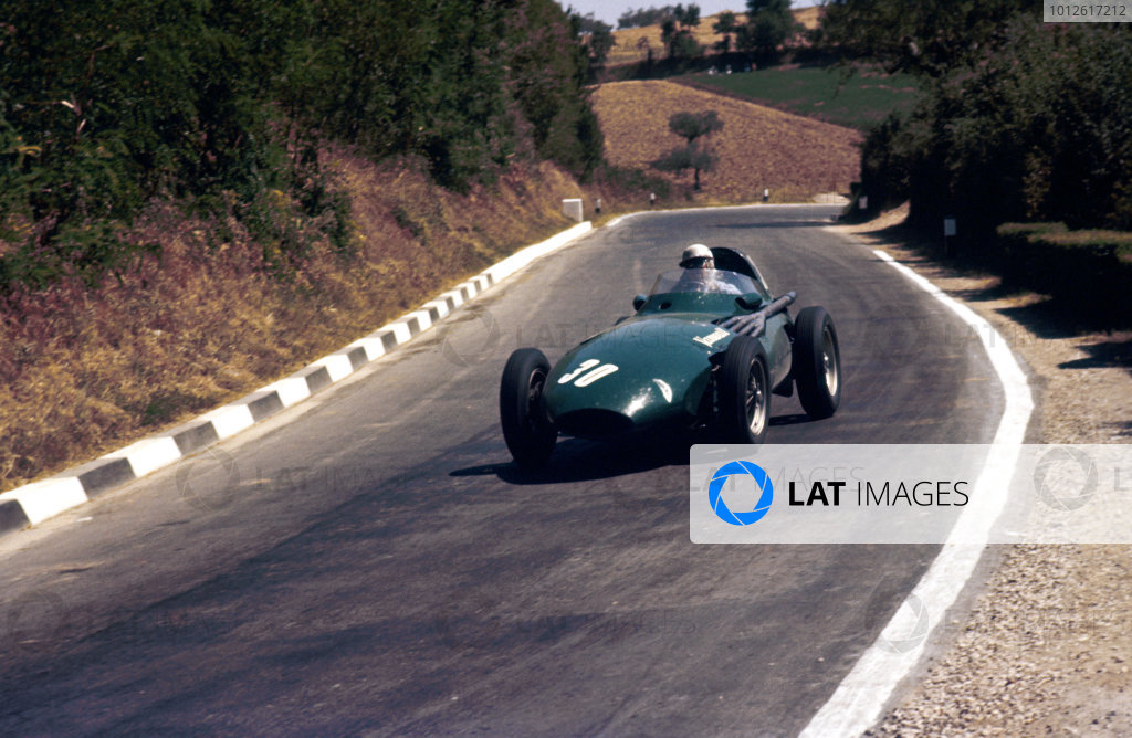 Pescara, Italy.16-18 August 1957. Stuart Lewis-Evans (Vanwall VW11) 5th position.Ref-57 PES 13.World Copyright - LAT Photographic