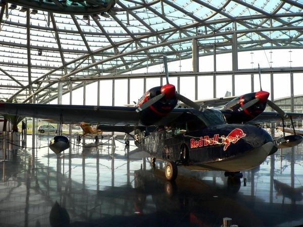 The Red Bull Grumman Goose.Red Bull Hanger-7, Salzburg, Austria, 15 November 2004.DIGITAL IMAGE