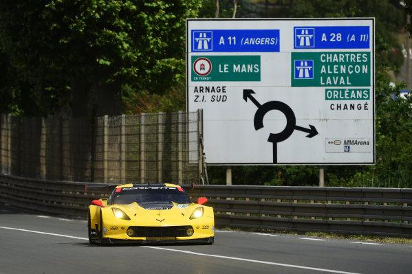 2017 Le Mans 24 Hours test day. Circuit de la Sarthe, Le Mans, France. Sunday 4 June 2017 #64 Corvette Racing Corvette C7.R: Oliver Gavin, Tommy Milner, Marcel Fassler World Copyright: Rainier Ehrhardt/LAT Images ref: Digital Image 24LM-testday-re-2384