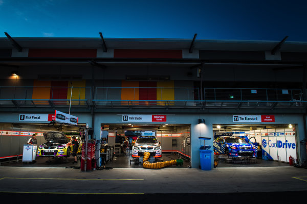 2017 Supercars Championship Round 7.  Townsville 400, Reid Park, Townsville, Queensland, Australia. Friday 7th July to Sunday 9th July 2017. Nick Percat drives the #8 Team Clipsal Brad Jones Racing Commodore VF, Tim Slade drives the #14 Freightliner Racing Holden Commodore VF, Tim Blanchard drives the #21 CoolDrive Racing Holden Commodore VF. World Copyright: Daniel Kalisz/ LAT Images Ref: Digital Image 070717_VASCR7_DKIMG_2551.jpg