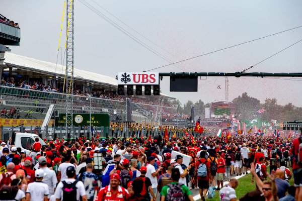 Autodromo Nazionale di Monza, Italy. Sunday 4 September 2016. The crowd invades the track for the podium celebrations. World Copyright: Zak Mauger/LAT Photographic ref: Digital Image _L0U6448