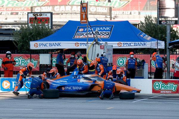 Scott Dixon, Chip Ganassi Racing Honda, in the pitlane Copyright: Joe Skibinski - IMS Photo