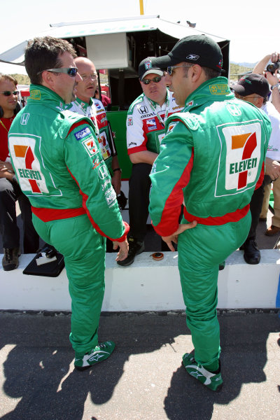 2003 Phoenix IRL IndyCar, 21-23 March 2003; Phoenix International Raceway; Phoenix, Arizona USAMichael Andretti and Tony Kanaan compare notes after afternoon practice-2003 Lesley Ann Miller, USALAT Photographic