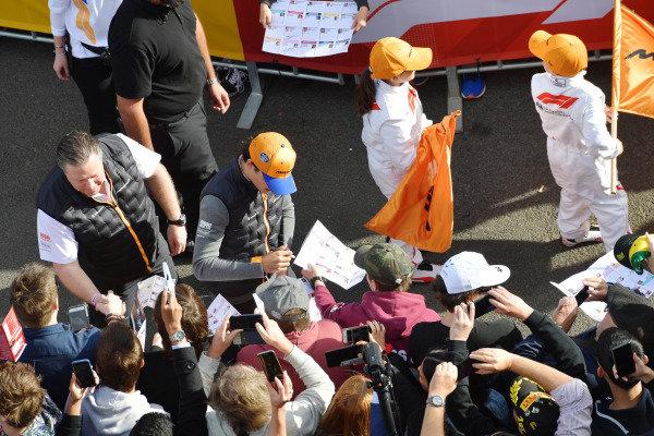 Zak Brown, McLaren Executive Director, and Lando Norris, McLaren, at the Federation Square event