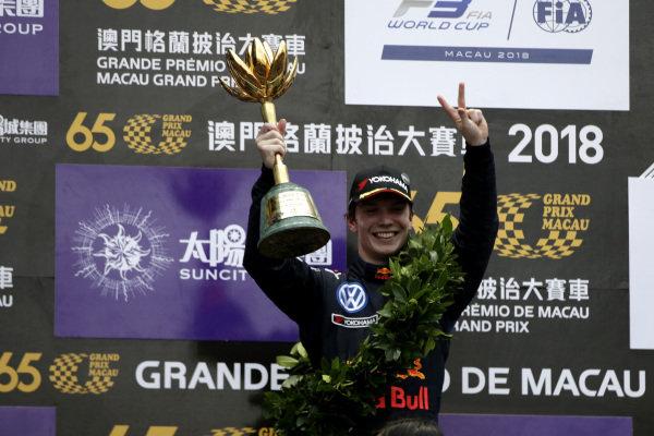 Dan Ticktum takes his second consecutive win at the historic Macau GP