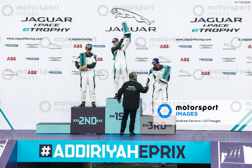 The AM podium: Winner Alice Powell (GBR), Jaguar VIP car, 2nd position Bandar Alesayi (SAU), Saudi Racing and 3rd position Ahmed Bin Khanen (SAU), Saudi Racing