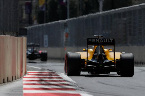 Baku City Circuit, Baku, Azerbaijan. Saturday 18 June 2016. Jolyon Palmer, Renault RE16. World Copyright: Glenn Dunbar/LAT Photographic ref: Digital Image _V2I9571