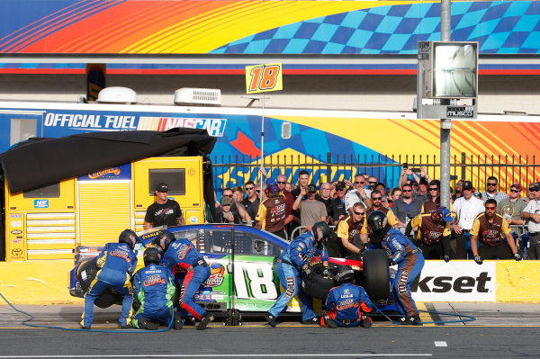 Monster Energy NASCAR Cup Series Monster Energy NASCAR All-Star Race Charlotte Motor Speedway, Concord, NC USA Friday 19 May 2017 Kyle Busch, Joe Gibbs Racing, M&M's Caramel Toyota Camry World Copyright: Matthew T. Thacker LAT Images ref: Digital Image 17CLT1mt1384
