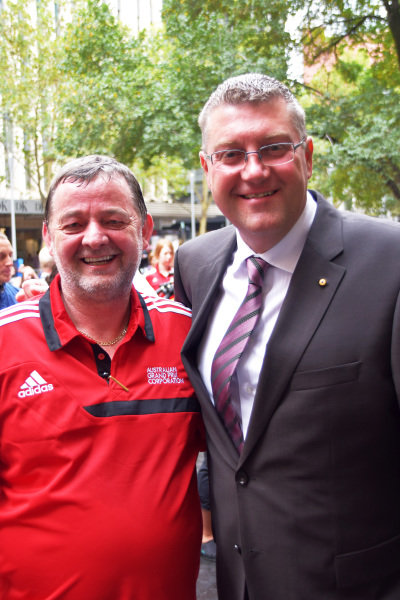 (L to R): Paul Stoddart (AUS) and Dr Chris Barnes from The Royal Childrens Hospital at Melbourne Town Hall. Formula One World Championship, Rd1, Australian Grand Prix, Preparations, Albert Park, Melbourne, Australia, Tuesday 11 March 2014.