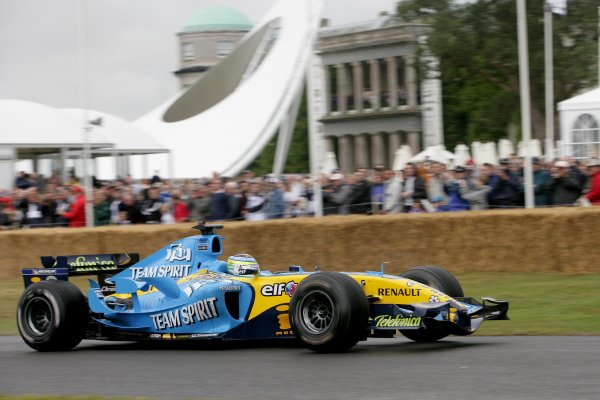 2006 Goodwood Festival of Speed.Goodwood Estate, West Sussex. 7th - 9th July 2006.Giancarlo Fisichella driving the Renault R26.World Copyright: Gary Hawkins/LAT Photographic.ref: Digital Image Only.