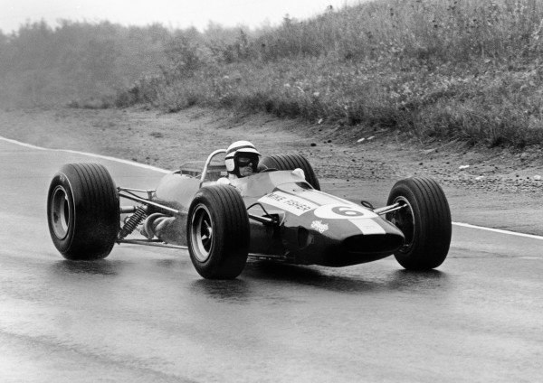 Mosport Park, Ontario, Canada. 25 - 27 August 1967.Mike Fisher (Lotus 33-BRM), 11th position, action. World Copyright: LAT Photographic.Ref:  1716 - 5.