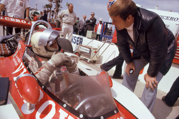 1974 USAC Indycar Series. Ontario, California, USA. 3rd-10th March 1974.Al Unser (Eagle-Offenhauser), 2nd position, with Parnelli Jones.World Copyright: Murenbeeld/LAT Photographic