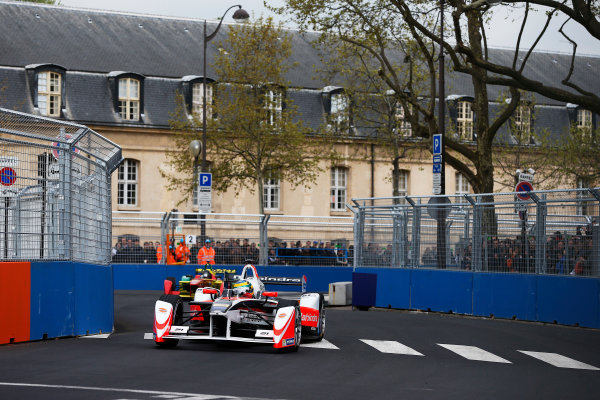 2015/2016 FIA Formula E Championship. Paris ePrix, Paris, France. Saturday 23 April 2016. Bruno Senna (BRA), Mahindra Racing M2ELECTRO. Photo: Glenn Dunbar/LAT/Formula E ref: Digital Image _89P5491A