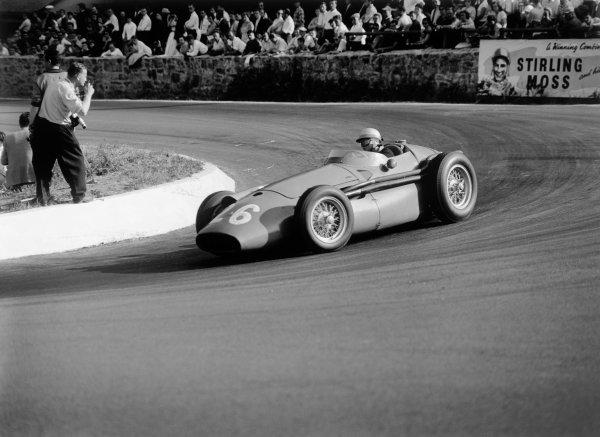 1958 Belgian Grand Prix. Spa-Francorchamps, Belgium. 13th - 15th June 1958. Maria Teresa de Filippis (Maserati 250F), 10th position, action.  World Copyright: LAT Photographic.