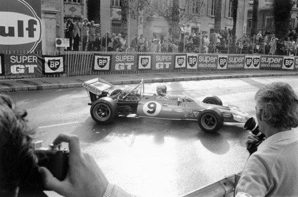 1971 Monaco Grand Prix.Monte Carlo. 23 May 1971.Denny Hulme (McLaren M19A-Ford Cosworth), 4th position. Ref-3762 #17A.World Copyright - LAT Photographic