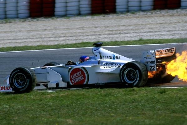 Jacques Villeneuve(CDN) BAR Honda 002 blows up in a spectacular way