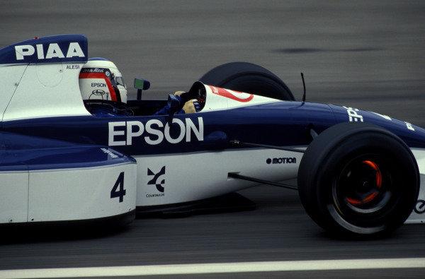 Jean Alesi, Tyrrell 019 Ford.