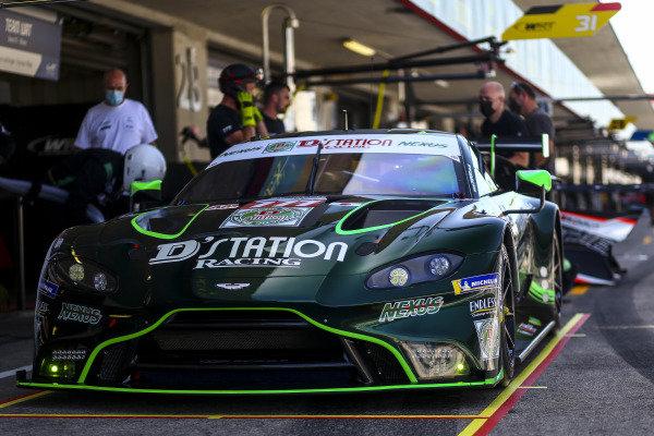 #777 D'Station Racing Aston Martin Vantage AMR: Satoshi Hoshino, Tomonobu Fujii, Andrew Watson