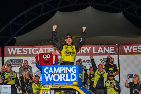 #98: Grant Enfinger, ThorSport Racing, Ford F-150 victory lane