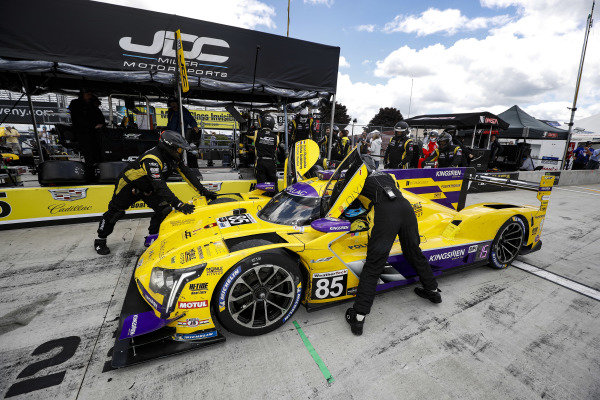 #85 JDC-Miller Motorsports Cadillac DPi, DPi: Misha Goikhberg, Tristan Vautier, Juan Piedrahita, pit stop